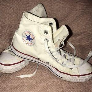 Converse Chuck Taylors size 7